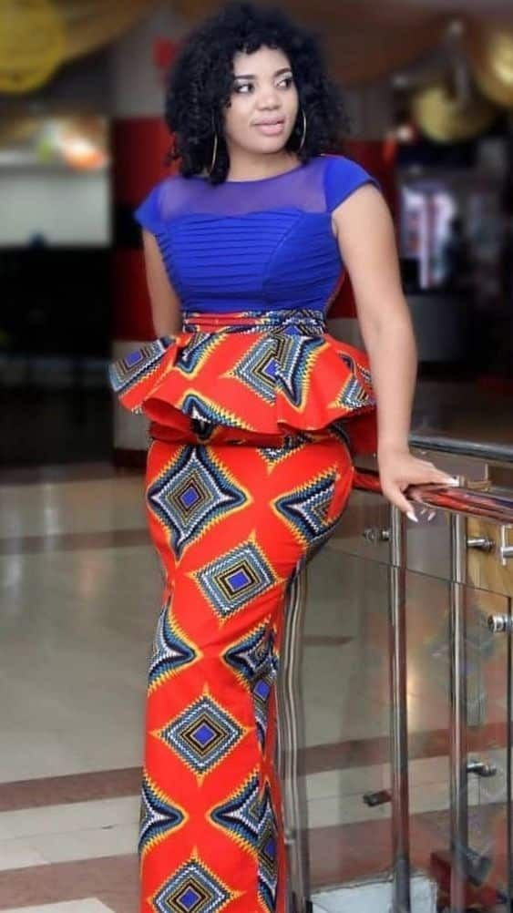 Model tenue africaine wax