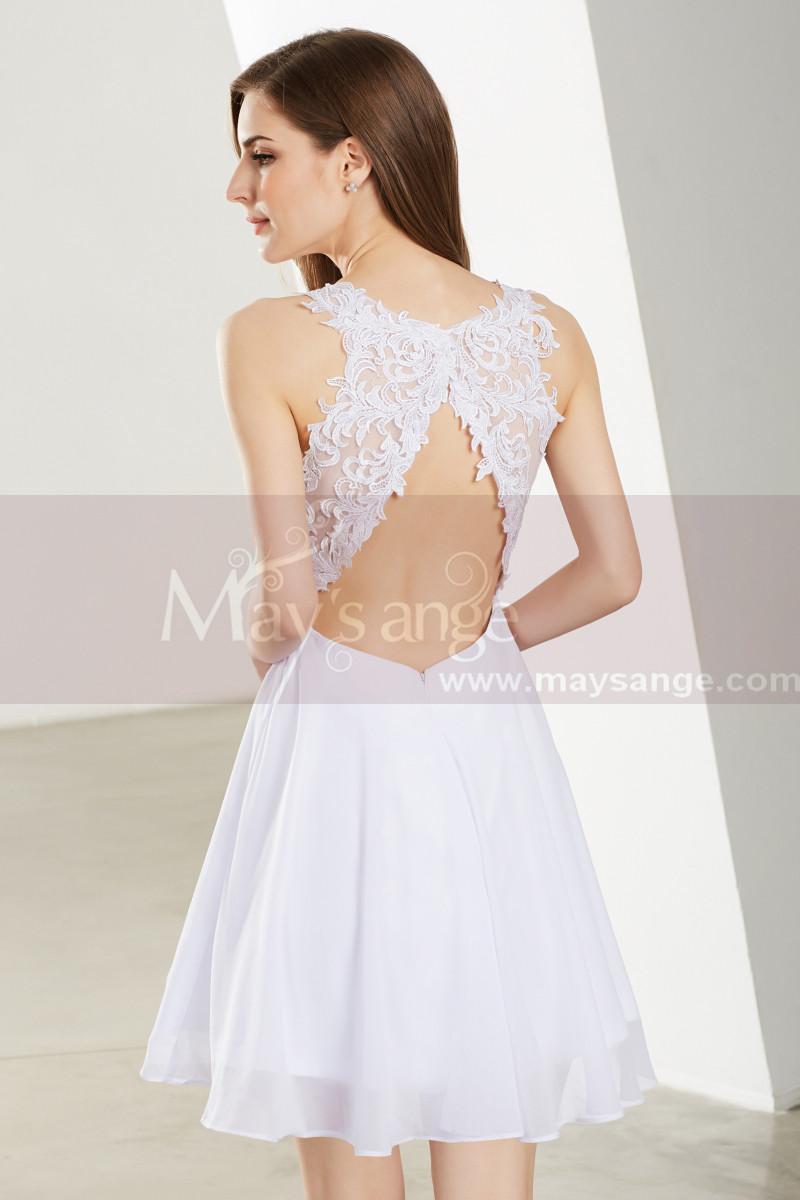 Robe blanche courte cintrée