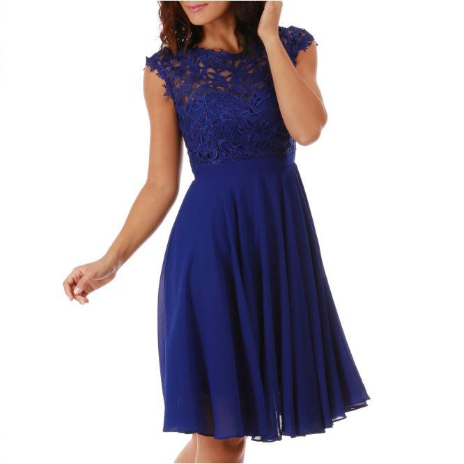 Robe bleu dentelle
