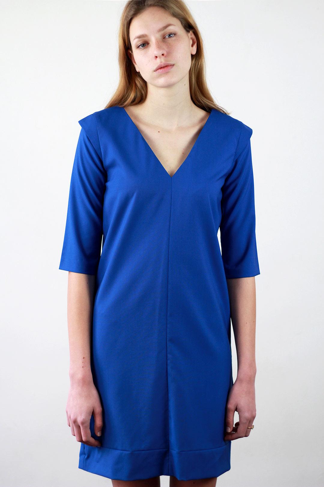 Robe bleu droite